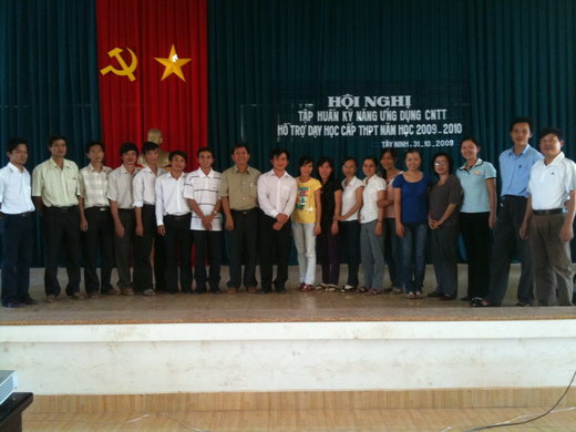 Training workshop on ICT for high school teachers in Tay Ninh province