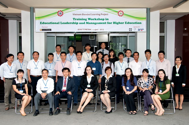 Training Courses in Leadership Skills for Mid-Level Managers at Higher Educational Institutions in Vietnam Using Blended Learning Mode