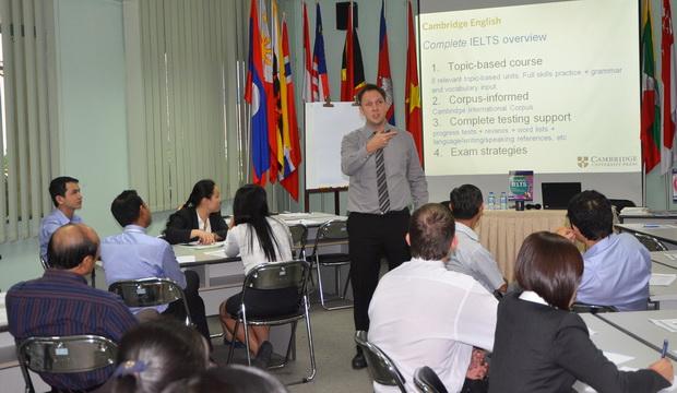 """Hội thảo tập huấn về """"Phương pháp giảng dạy Giáo trình Complete IELTS"""""""