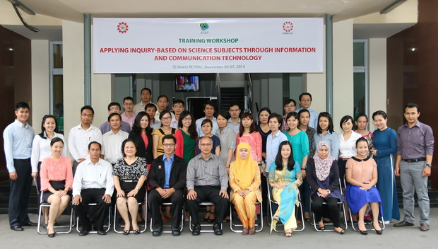 "Training Course on ""Applying the Inquiry-based on Science Subjects through Information and Communication Technology"""