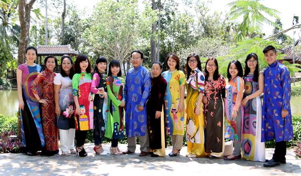 Visit to Vietnamese Ao Dai Museum