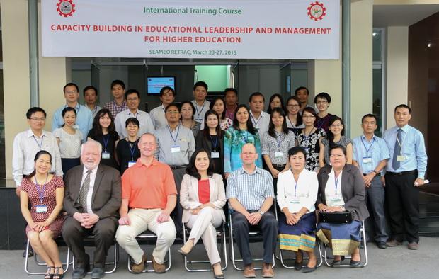"""Khóa tập huấn quốc tế về """"Nâng cao năng lực lãnh đạo và quản lý giáo dục đại học"""""""