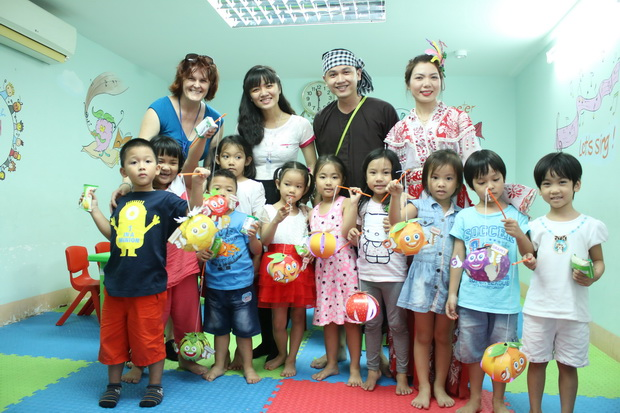 Mid-Autumn Festival for students at Kiddy Programs