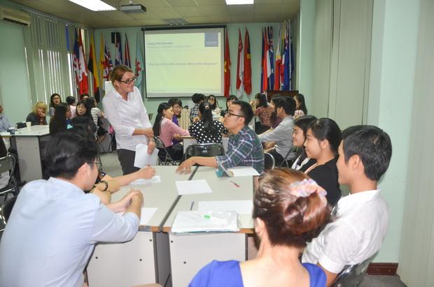 """Hội thảo tập huấn về """"Sử dụng phần mềm Itools và các hoạt động DVD hiệu quả trong giảng dạy giáo trình Solutions"""""""
