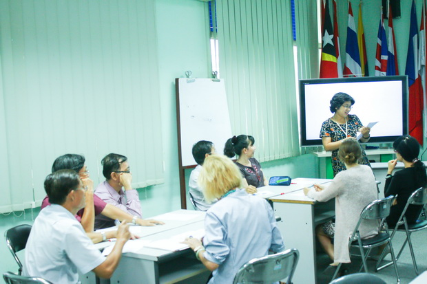 "Workshop on ""Grading IELTS writing papers"""