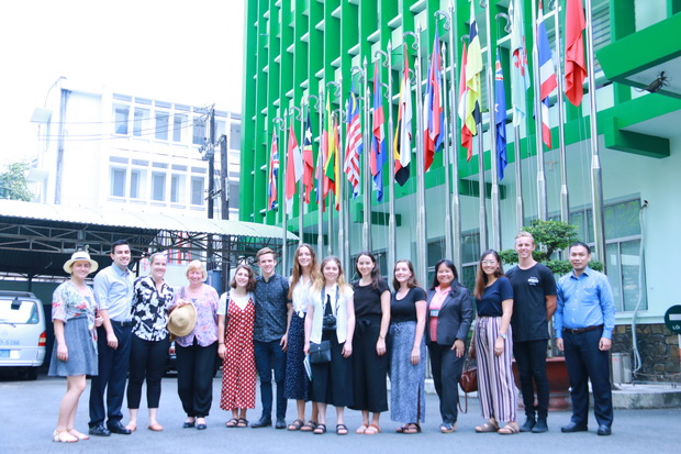 Visit of students and faculty from Australia's Griffith University