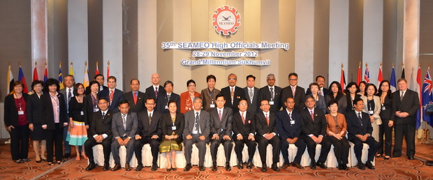 On November 27-29, 2012, the SEAMEO Secretariat, in cooperation with the Ministry of Education of Thailand, convened the 35th SEAMEO High Officials Meeting at the Grand Millennium Sukhumvit Hotel, Bangkok, Thailand. The meeting welcomed more than 130 participants who are high-level education officials from the SEAMEO Member Countries, Associate and Affiliate Members, SEAMEO Centers and strategic partners. Mr. Tran Ba Viet Dzung, Director General, International Cooperation Department, MOET Vietnam chaired the meeting. At the plenary session, high officials and the delegation discussed educational issues on education for all, disaster risk reduction in education, hygiene and water in schools, database on education, and increasing the efficiency of education systems. The education leaders also reviewed the 2011-2020 SEAMEO Strategic Plan and recommended specific actions to take for its implementation.The meeting also announced the next meeting of the SEAMEO Education Ministers namely the 47th SEAMEO Council Conference be hosted by the Government of Vietnam in Hanoi from 19 to 21 March 2013.