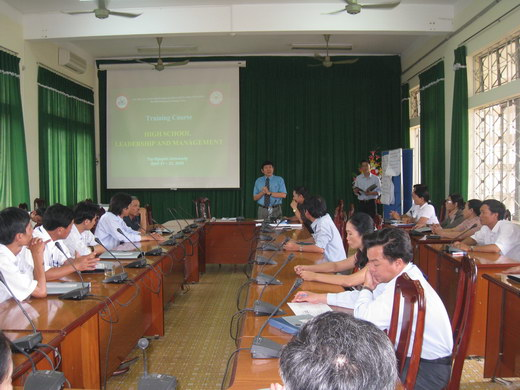 TRAINING COURSE ON SCHOOL LEADERSHIP AND MANAGEMENT FOR HIGHSCHOOL PRINCIPALS IN TAY NGUYEN AREA